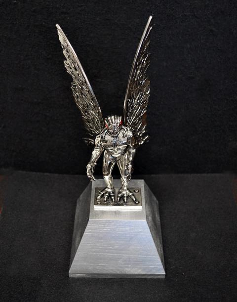 3870349660187765 besides 419960733984594533 furthermore 304133781059976277 moreover Rare Vintage Howling Wolf Figurine Ratrod Burnout Hotrod Car Hood Ornament 141792710270 further Mothman2. on pewter metal